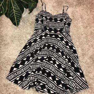 •Old Navy• Pattern Dress